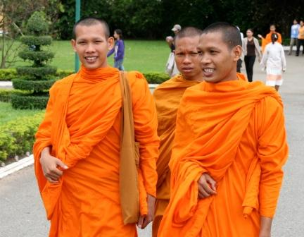 Isan monks helping their communities
