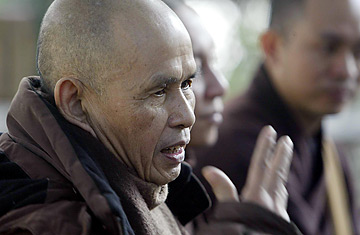 mantra - Les Quatre Mantra ou La vraie présence A_thich_nhat_hanh0301