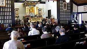 Chicago Buddhists Pray for Japan