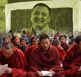 Issues | Tens of Thousands of Buddhists From All Over the